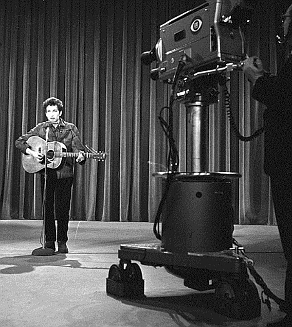 May 12, 1963 THE ED SULLIVAN SHOW Bob Dylan performs. T29057_50 Copyright CBS Broadcasting, Inc., All Rights Reserved, Credit: CBS Photo Archive
